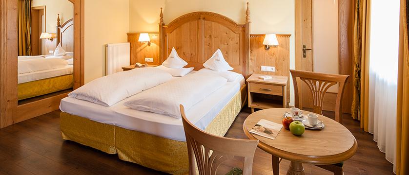 italy_dolomites_selva_hotel-oswald_bedroom.jpg